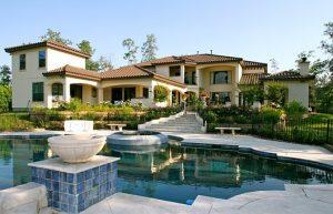 حمام سباحه, حمامات سباحة منزلية ,انواع حمامات السباحة